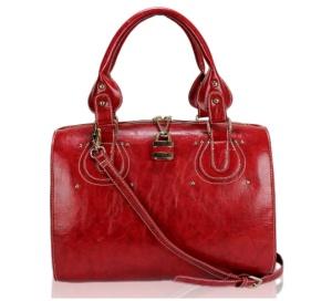 Dámska kabelka kožená, ozdobená zámkom, červená