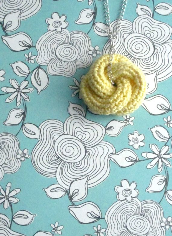 Crochet Knot : ... pinned for inspiration: Etarnally. Crochet knot pendant in pale yellow
