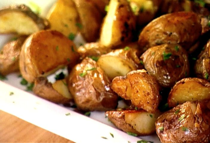 Garlic Roasted Potatoes courtesy of The Barefoot Contessa. Great ...