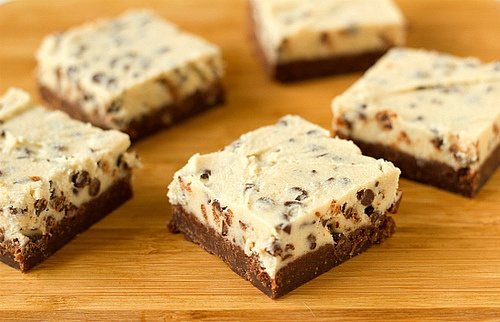 Brownies topped with chocolate chip cookie dough (egg-free)!