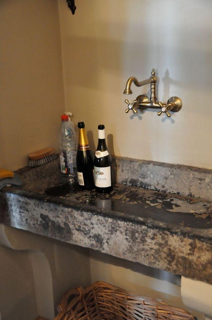 belgian bluestone stink in the mud room?