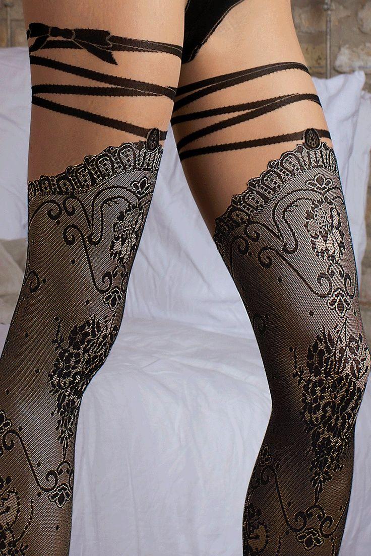 Фото чулки на женских ножках 12 фотография