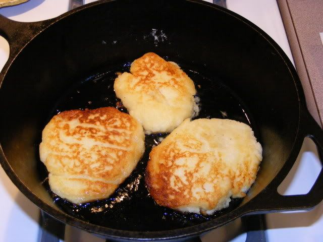 No Mess Potato Pancakes- need to try. maybe saturday morning.