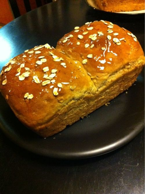 Light oat bread with honey glaze | my creations | Pinterest