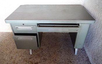 comment renover un meuble atelier retouche paris. Black Bedroom Furniture Sets. Home Design Ideas