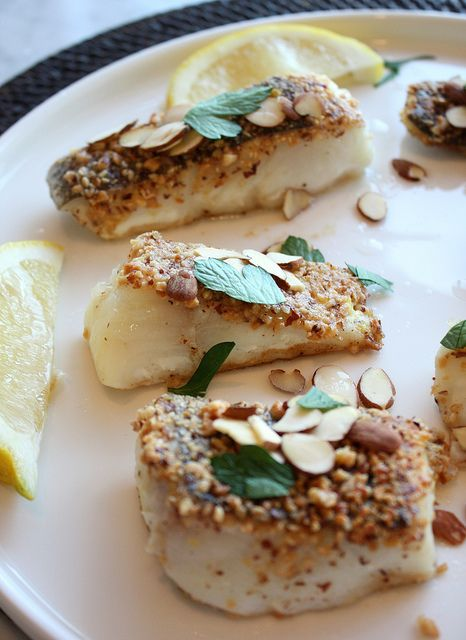 Almond Crusted Halibut by kissmywhisk (leave out the flour to make it ...