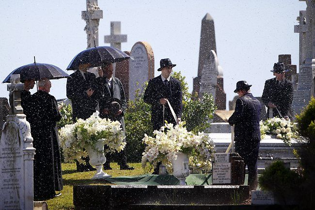 The Great Gatsby set at Waverley Cemetery Picture