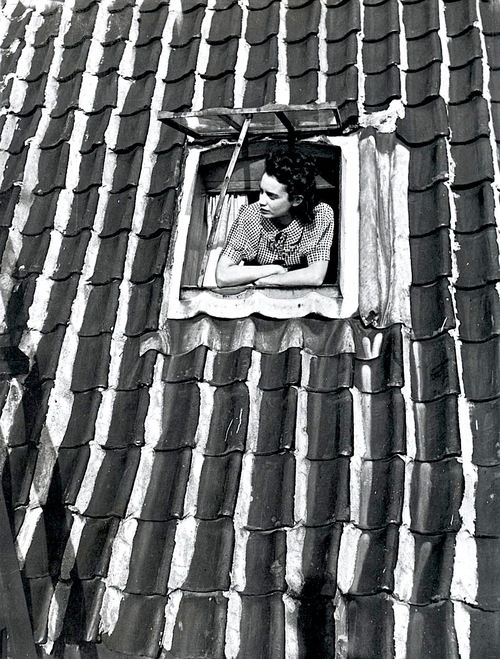 Eva Besnyö: Violette Cornelius, Keizersgracht 522, Amsterdam, 1938