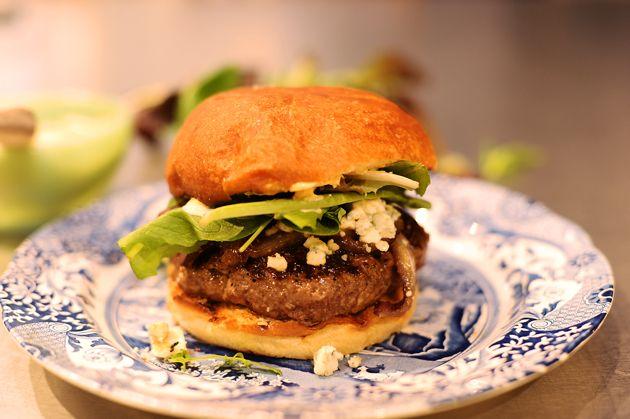 Pioneer Woman's Favorite Burger---Now, this is MY favorite burger! D ...