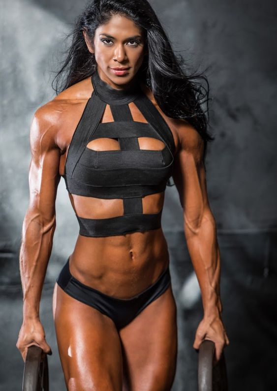 Female fitness muscle abs