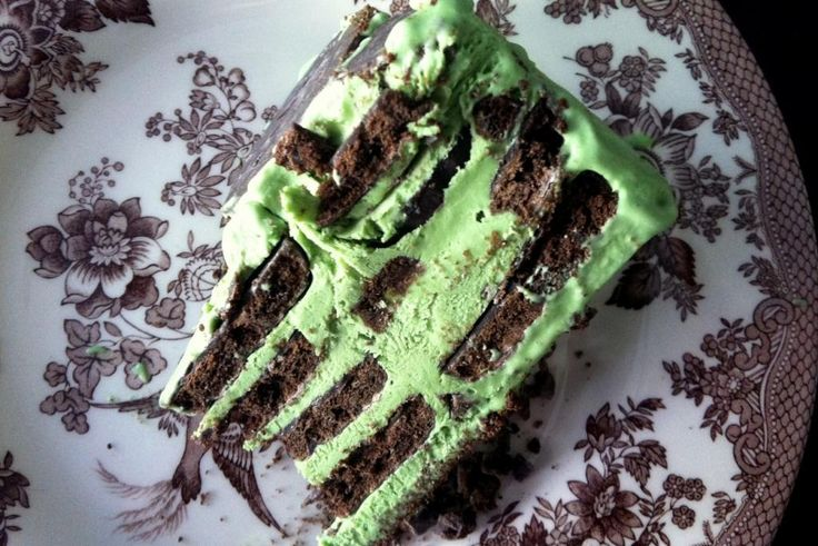 Chocolate-Mint Icebox cake! An Easy NO BAKE dessert made with Girl ...