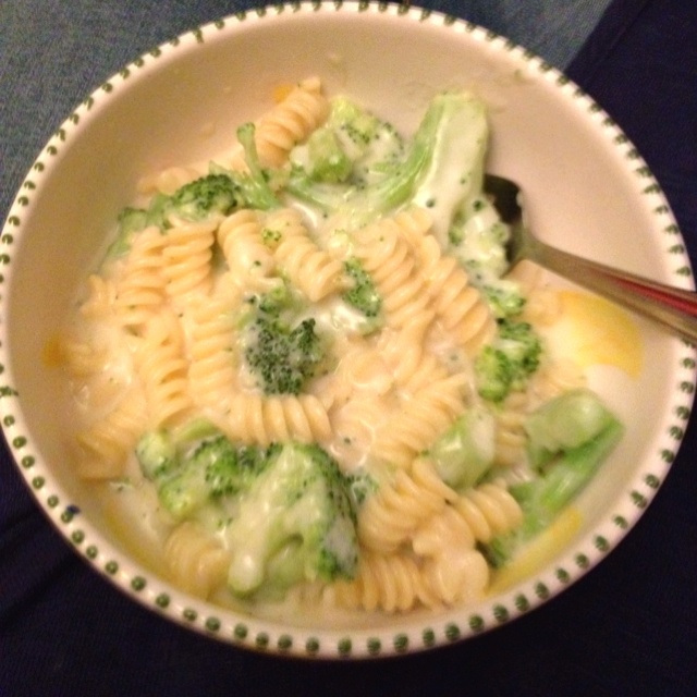 Broccoli and White Cheddar Mac & Cheese. | Things i adore | Pinterest