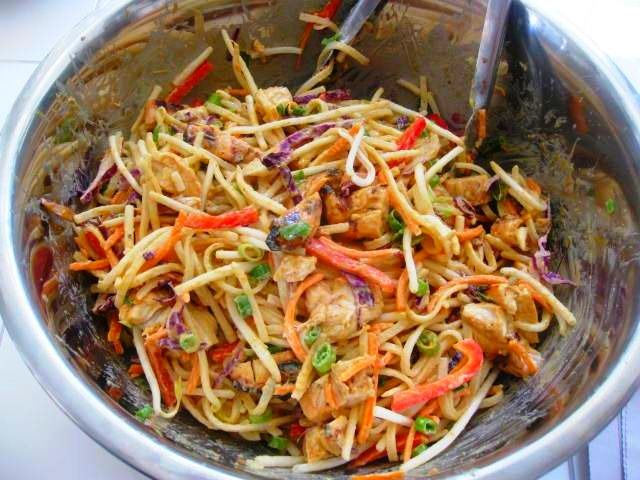 light spicy peanut noodles with chicken | plumdelicious : asian + ind ...