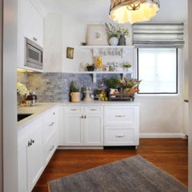 Small kitchen space | House decor ideas | Pinterest: pinterest.com/pin/533676624563977043