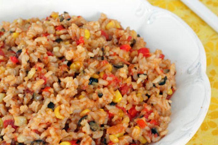 Cheesy Skillet Tex-Mex Rice | yummy food | Pinterest