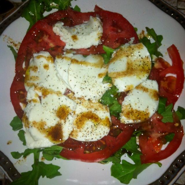 Fresh mozzarella, tomato and arugula salad