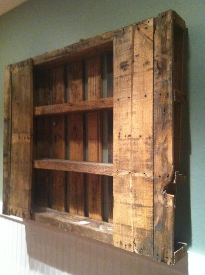 easy to make shelf out of a pallet craft projects diy. Black Bedroom Furniture Sets. Home Design Ideas