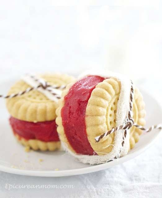 Strawberry Shortbread Sorbet Sandwiches | Sweets | Pinterest