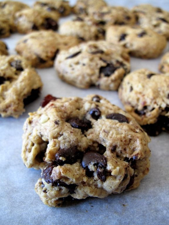 cherry chocolate chip cookies | Delicious | Pinterest