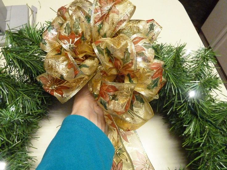 Easy Christmas Bow | Bowdabra Blog