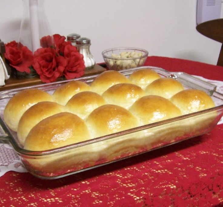 Homemade Dinner Rolls - easy peasy and absolutely delicious. Well ...