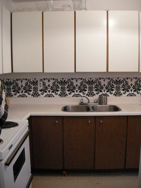 think this backsplash is a easy and great idea for apartments