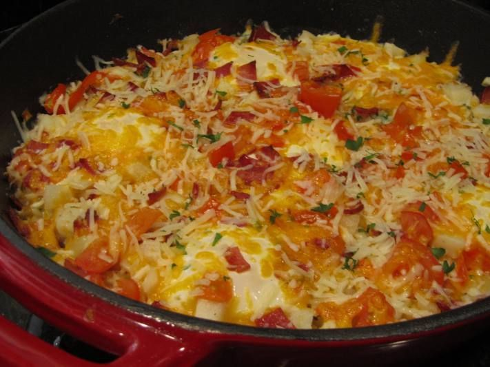 EGG, BACON, AND HASH BROWN SKILLET CASSEROLE | TAMARA LEIGH: The ...