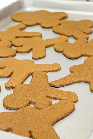 ... -Warm Gluten Free Gingerbread Men Recipe - Ninjabread Men | Reci
