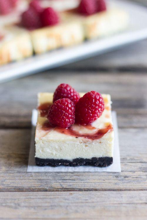 White chocolate cheesecake with dark chocolate crust and raspberry ...