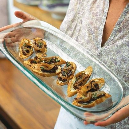 Crostini with Gorgonzola, Caramelized Onions, and Fig Jam by Cooking ...