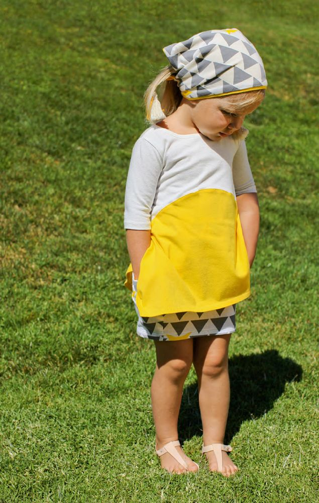 Color block flared bottom asymmetrical hem tunic by Omamimini