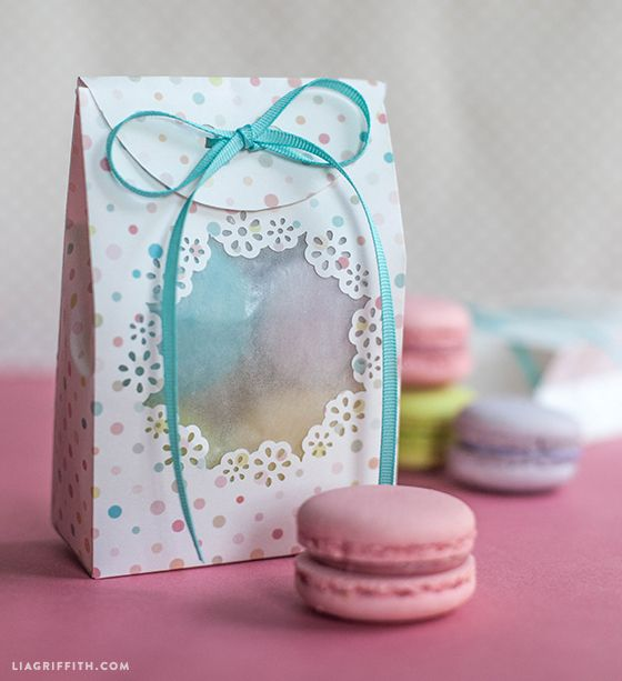 Check out these wonderful treat bags made by our #12monthsofmartha blogger, Lia Griffith. Check out her tutorial on how to make these with the brand new Frame Border Punch from #marthastewartcrafts