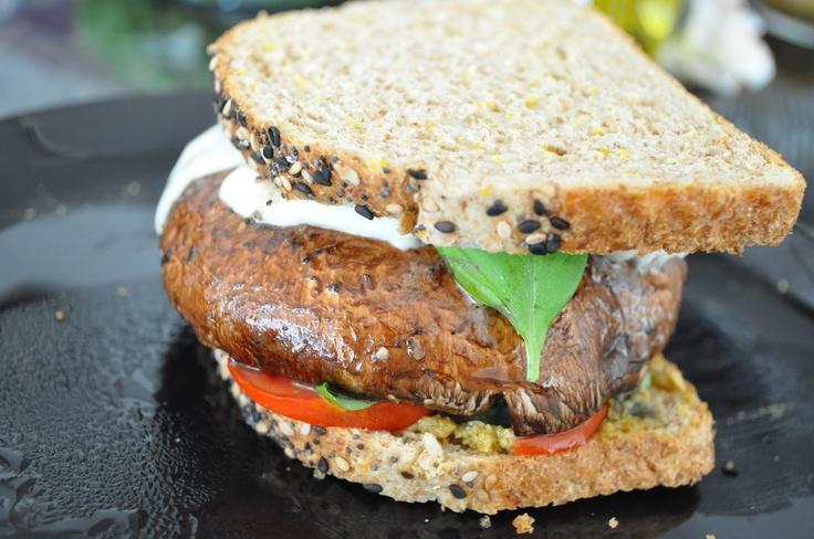 Portabello Mushroom sandwich via Kitcheningaround.blogspot.com