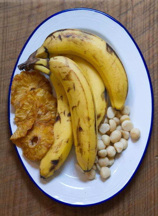 Tropical Banana Bread with Macadamia Nuts, Pineapple, and Coconut | R ...