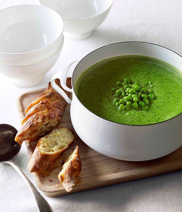 Pea and fennel soup with parmesan garlic bread - Gourmet Traveller