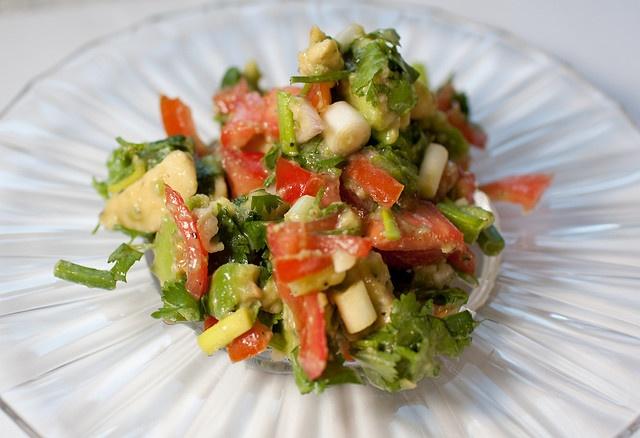 Guacamole salad | Appetizers - Dip it or Scoop it | Pinterest
