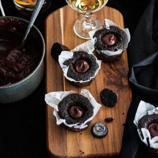 Guinness Chocolate Cupcakes with whiskey ganache filling & Bailey's ...