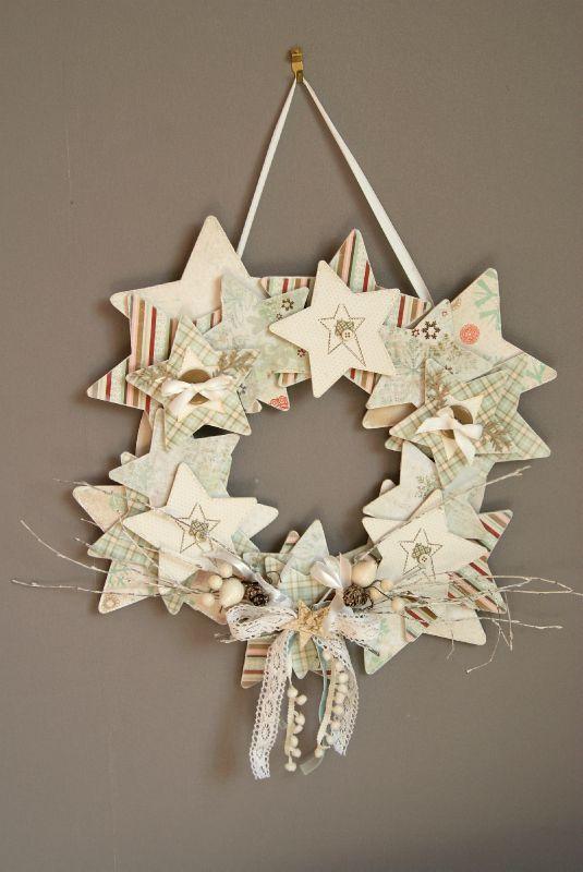 love this wreath so much  Christmas Wreaths  Pinterest