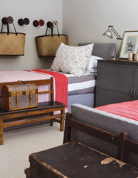rustic contemporary dorm room  My Favorite Things  ~ 152515_Rustic Dorm Room Ideas
