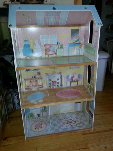 CUTE CLEAN WOODEN KIDKRAFT DOLL HOUSE! | doll houses | Pinterest: pinterest.com/pin/442337994622309736