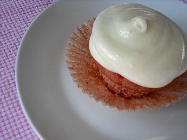 paula deen strawberry cake from scratch