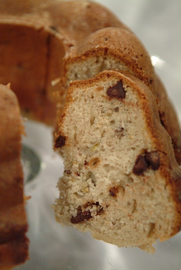 Chocolate Chip Banana Bundt Cake | Recipes I want to try | Pinterest