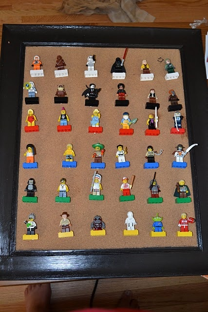 DIY Lego display. Just glue push pins to the bricks!