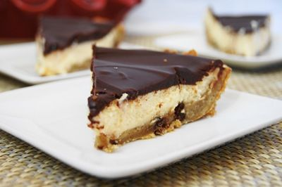 Chocolate Glazed Cookie Cheesecake Pie | Yummy Foods | Pinterest