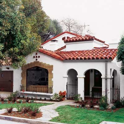 Charming spanish revival house from this old house my for Escaleras rusticas