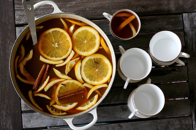 Combat dehydration! Drink hot mulled cider as you redecorate for ...
