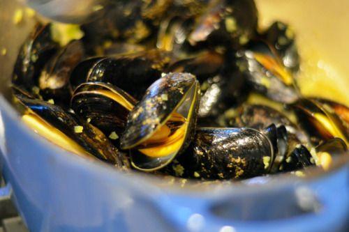 Thai Steamed Mussels | Award-Winning Paleo Recipes | Nom Nom Paleo