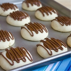 Thumbprint Cookies by theblackpeppercorn | Cookies | Pinterest