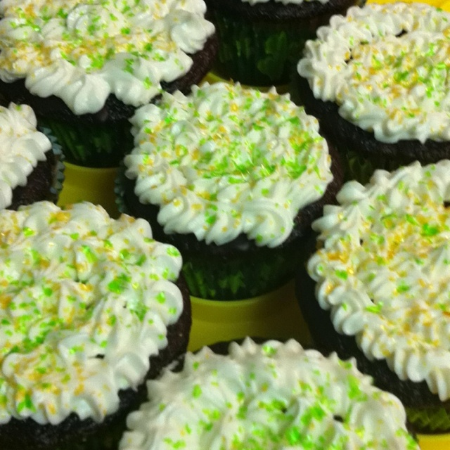 ! Chocolate stout cupcakes with Bailey's Irish Cream ganche filling ...