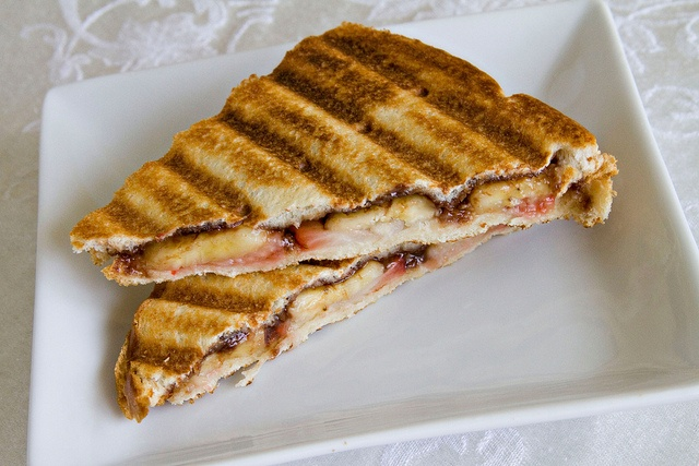 Strawberry Banana Nutella Paninis.. I'm making these ASAP | What's Fo...